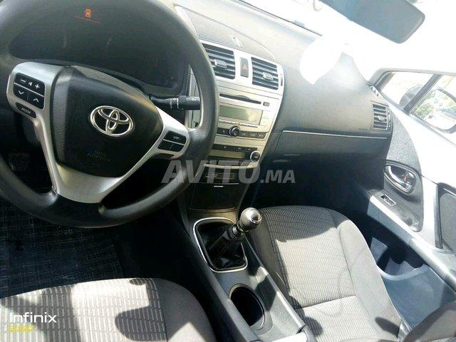 image_0 : Toyota avensis 12 diesel -2012 région Ben Ahmed