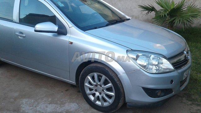 Voiture Opel Astra 2005 à casablanca  Diesel  - 7 chevaux