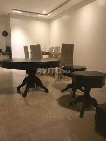 Table ronde noir pour salon marocain beldi