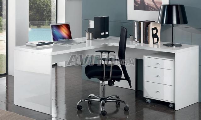 Bureau blanc médecin à vendre à rabat dans meubles et décoration