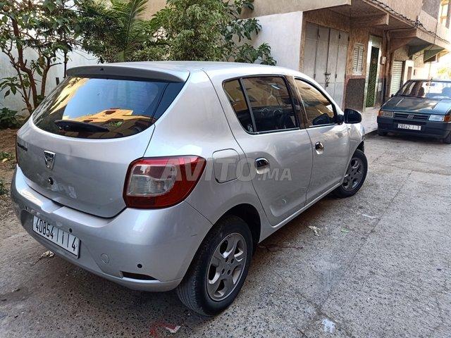 Voiture Dacia Sandero 2015 à salé  Diesel  - 6 chevaux