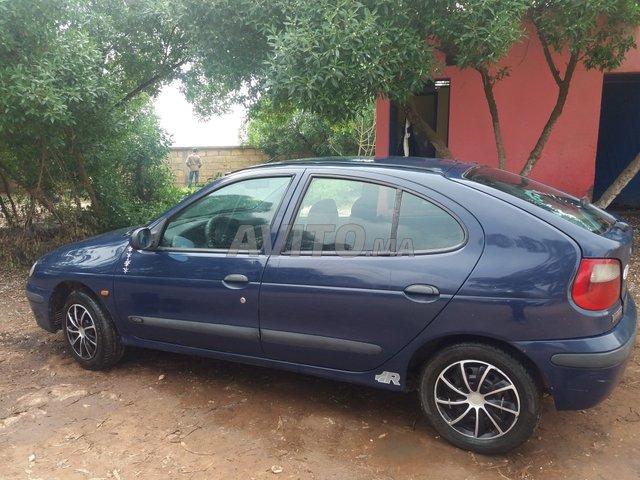 image_3 : Megane Renault -1999 région Azemmour