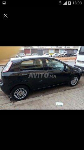 Voiture Fiat Punto 2015 à salé  Diesel  - 6 chevaux