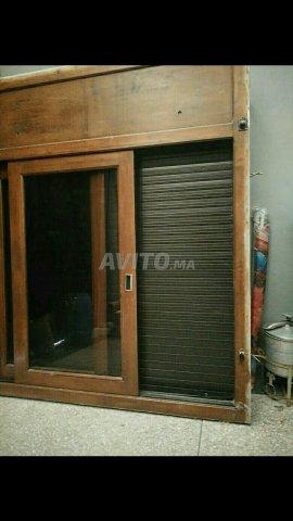 Fenêtre De Bois Avec Rideau Aluminium à Vendre à Rabat Dans Meubles
