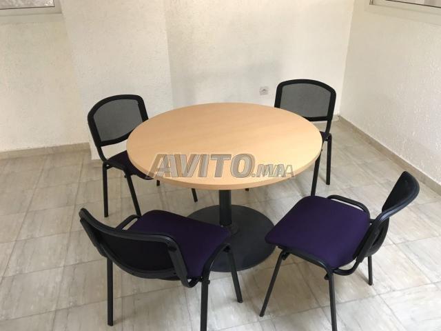 Table ronde steelcase pietement rond bureau reunio للبيع في الرباط