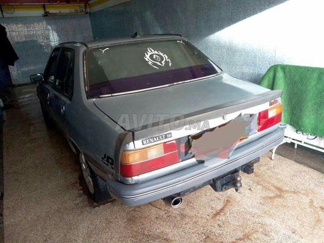Voiture Renault R18 1985 à oujda  Essence