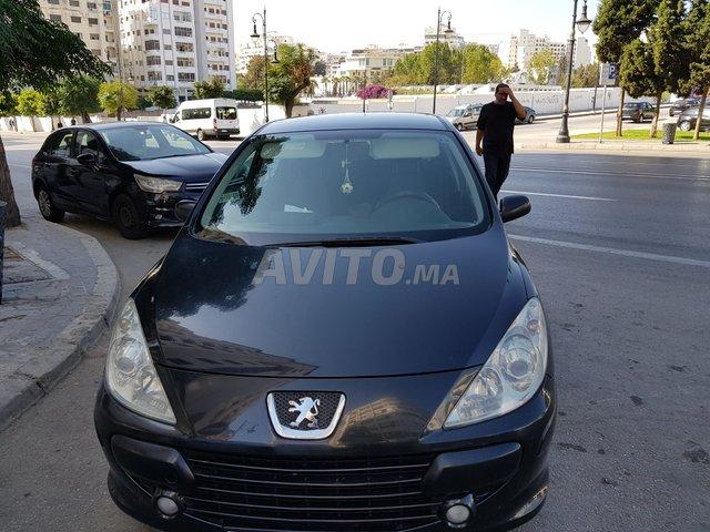 Voiture Dacia Sandero 2017 à touama  Diesel  - 6 chevaux