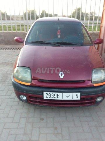 Voiture Renault Clio 2000 à khouribga  Diesel  - 7 chevaux