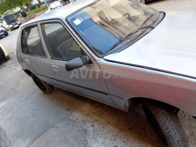 Voiture Peugeot 205 1985 à taza  Essence