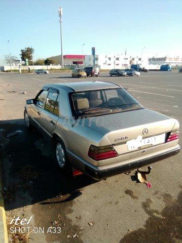 Voiture Mercedes benz R190 1988 à salé  Essence