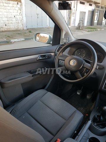 Voiture Volkswagen Touran 2004 à salé  Diesel  - 8 chevaux