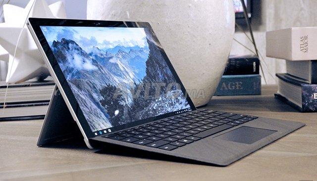 Microsoft Surface Pro 5 i5 8GB RAM SSD 256GB للبيع في الدار
