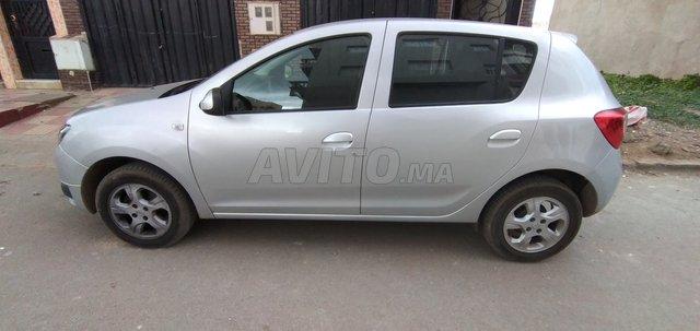 Voiture Dacia Sandero 2016 à mohammedia  Diesel  - 7 chevaux