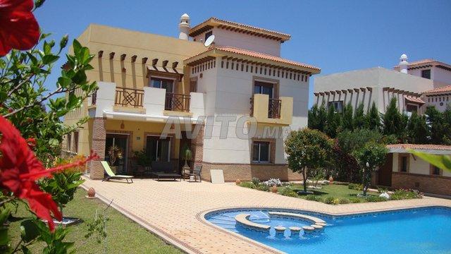 Superbe villa de vacances à vendre à Saidia dans Maisons et ...