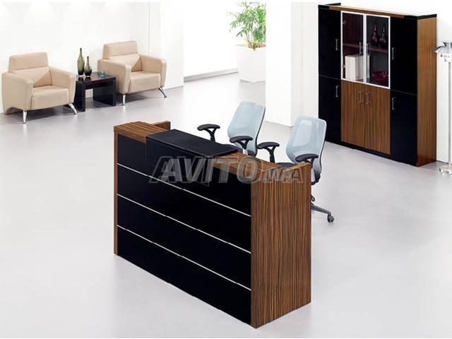 Bureau de réception et chaise à vendre à rabat dans matériels