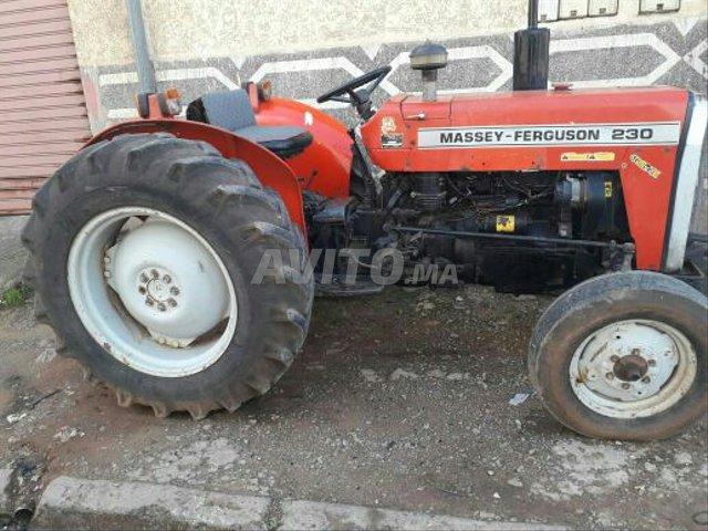 image_1 : tracteur 230 modile 2002 région Azemmour