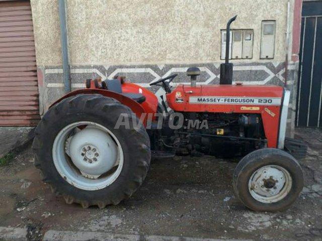 image_3 : tracteur 230 modile 2002 région Azemmour