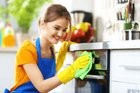 عاملة منزلية